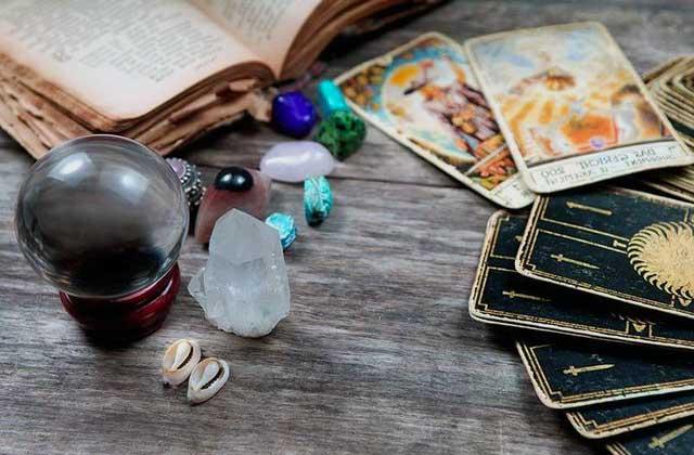 Tirada de tarot gratis del Sí o No con 5 cartas